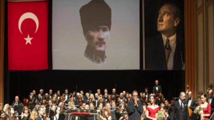 Cumhuriyet coşkusu Opera Sahnesi'nde