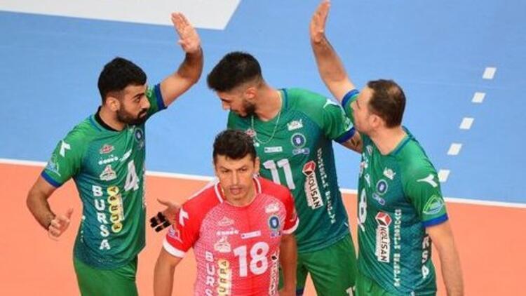 Efeler Ligi   Arhavi Voleybol 0-3 Bursa Büyükşehir Belediyespor