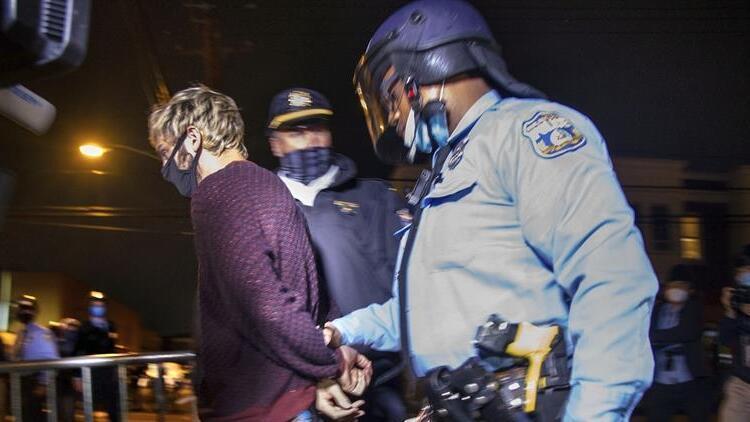 ABDde protestolar sokağa çıkma yasağı getirdi