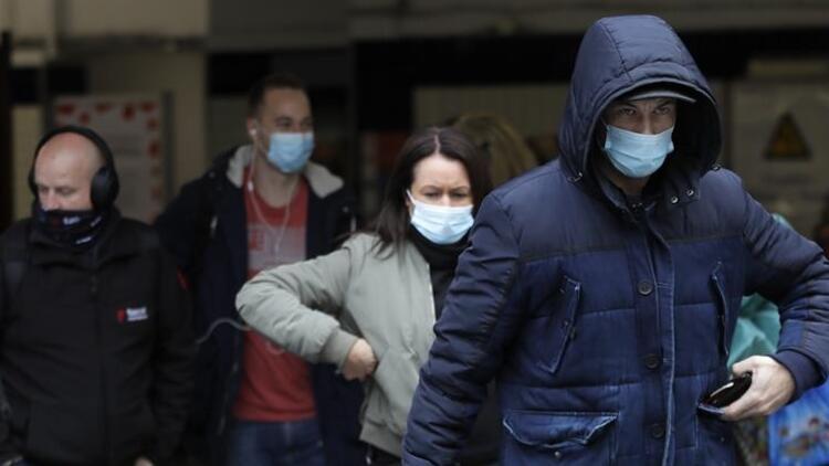 Son dakika haberi... İngiltere'de her gün yaklaşık 100 bin kişi virüse yakalanıyor!