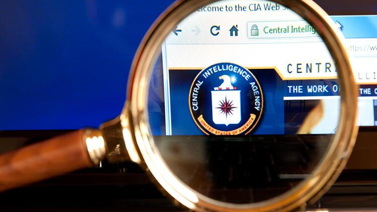 ABD'de uyuşturucuyla mücadele dairesi görevlisi CIA ajanı gibi davranarak ünlü şirketleri dolandırdı