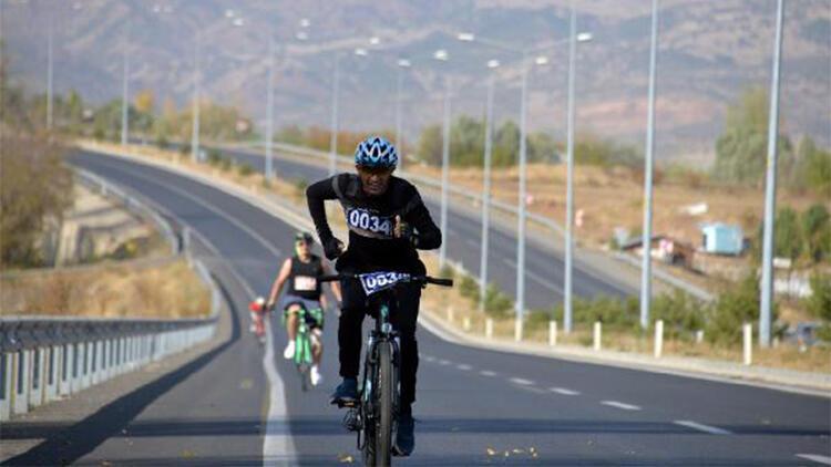Bingöl'de pedallar cumhuriyet için çevrildi