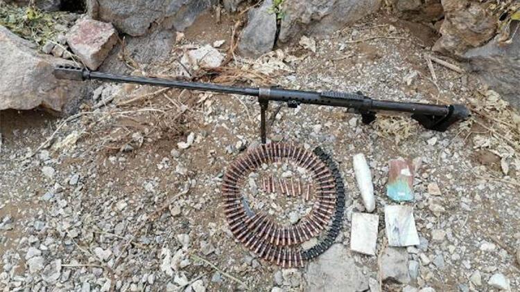 Van'da PKK'nın silah, mühimmat ve yaşam malzemesi ele geçirildi