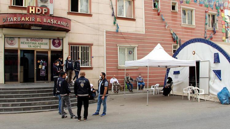 Diyarbakırda HDP önündeki eylemde 425inci gün