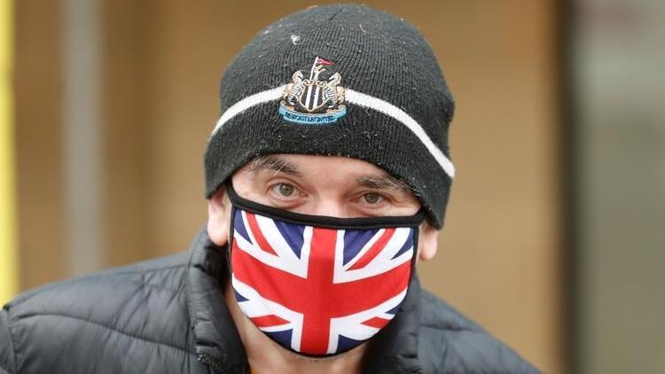 İngilterede sokağa çıkma yasağı yeniden gündemde
