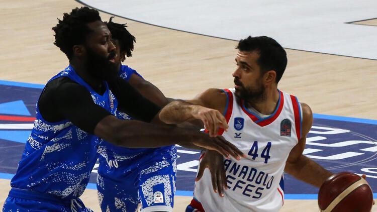 Anadolu Efes: 98 - Büyükçekmece Basketbol: 79