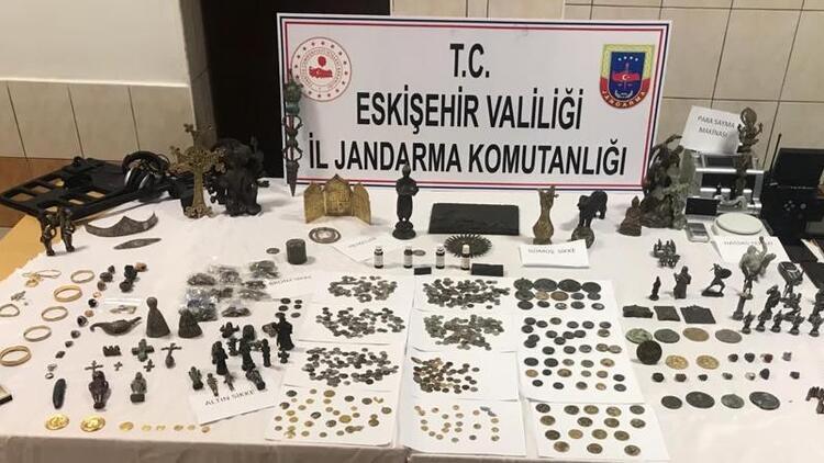 Eskişehir'de tarihi eser operasyonu!