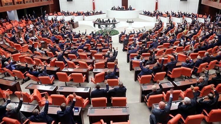 Son dakika haberi: Depremde alınması gereken tedbirlere ilişkin komisyon kurulması Meclis'te kabul edildi
