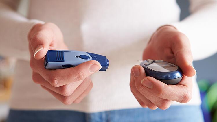 Diyabet riski olanlar belirti olmasa bile düzenli şeker ölçümü yaptırmalı