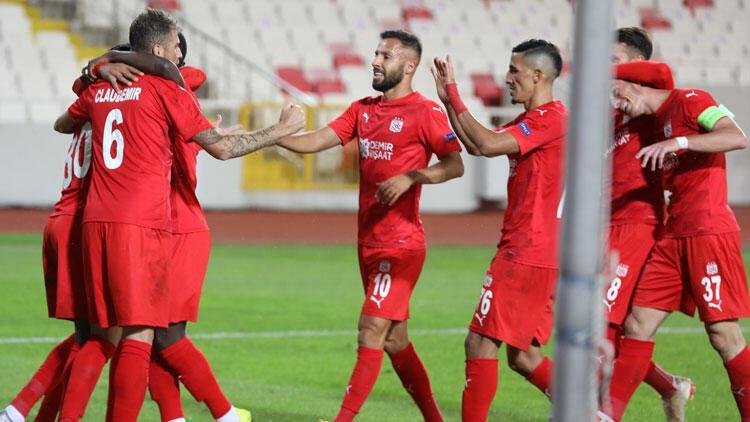 Sivasspor Avrupa'da 11 yıl sonra kazandı!