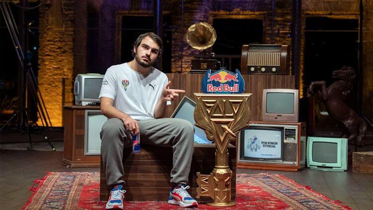 Red Bull Solo Q'da şampiyon Berkay 'Kazing' Özyurt oldu