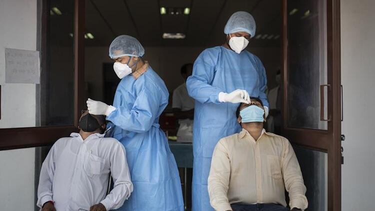 Dünya genelinde Kovid-19 tespit edilen kişi sayısı 51 milyon 243 bini geçti