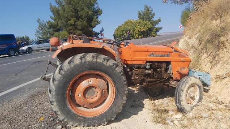 Karaman'da traktör devrildi; sürücü yaralandı, eşi öldü