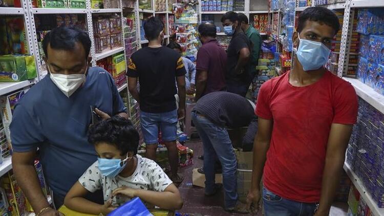 Hindistan'da Kovid-19'dan 550 kişi hayatını kaybetti