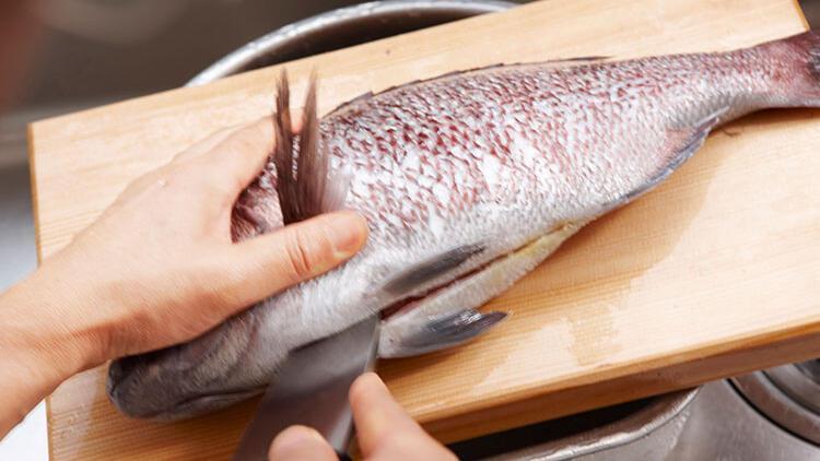 Balık kokusu elden nasıl çıkar? Balık kokusunu gidermenin yolları