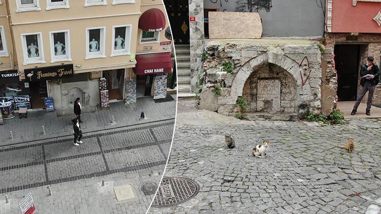 İstanbul'da tarihi çeşme üstündeki binalar tepki çekti