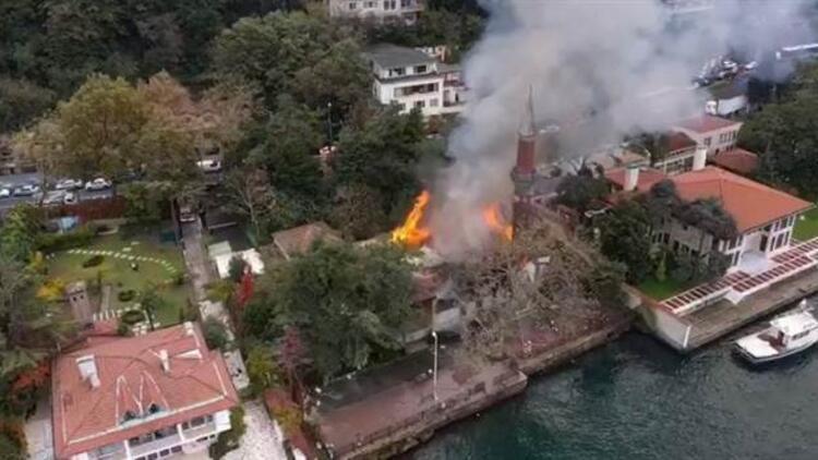 Tarihi Vaniköy Camii'ndeki yangın: İmamla birlikte 5 kişinin ifadesi alındı