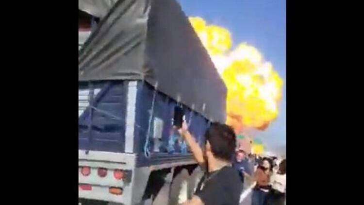 Meksika'da devrilen yakıt tankerinde patlama: 13 ölü