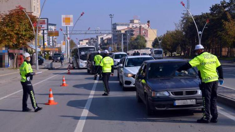 Polis, emniyet kemeri takanlara teşekkür etti, takmayanları uyardı