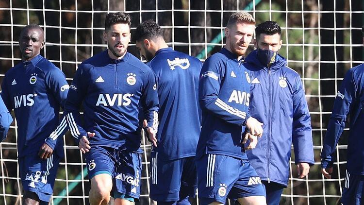 Son dakika | Fenerbahçe'de sakatlardan müjde! Serdar Aziz, Sosa ve Samatta takımla çalıştı...