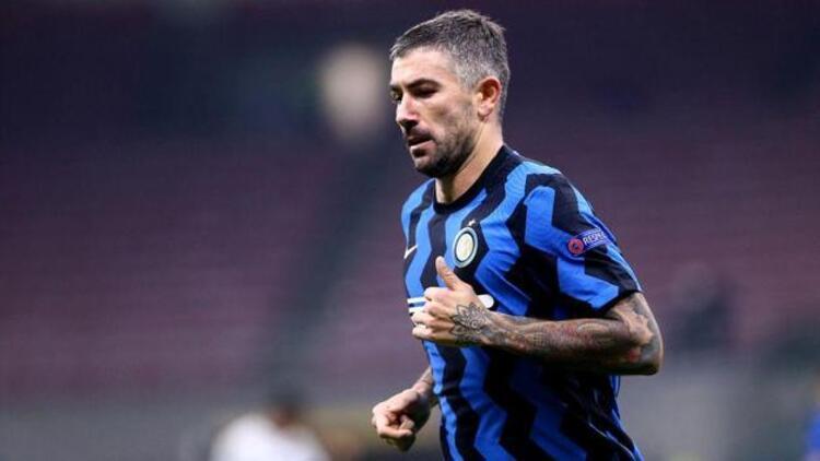 Inter'in yıldızı Aleksandar Kolarov koronavirüse yakalandı