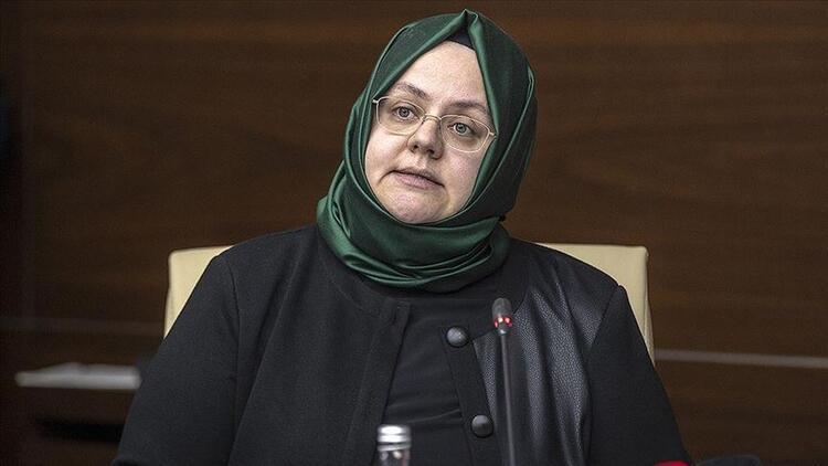 Zehra Zümrüt Selçuk kimdir, kaç yaşında? Aile, Çalışma ve Sosyal Hizmetler Bakanı Zehra Zümrüt Selçuk'un biyografisi