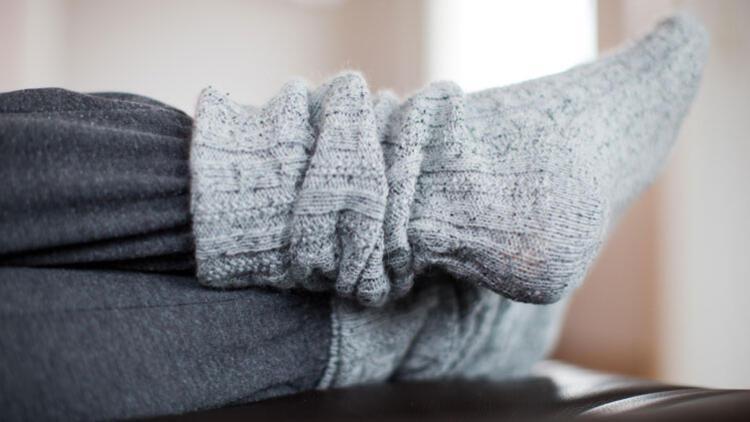 Ayaklarınız Sürekli Üşüyor mu? İşte Olası Nedenleri…