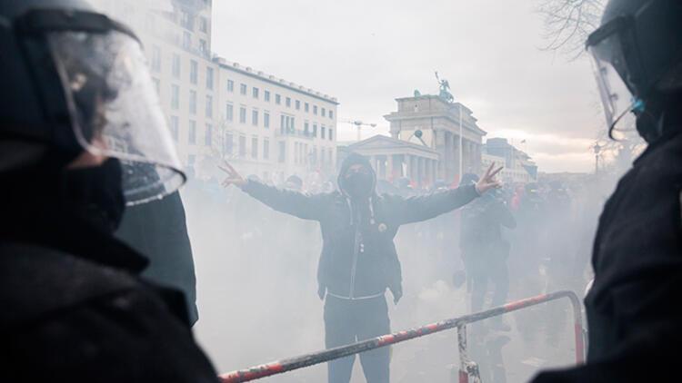 Berlin karıştı