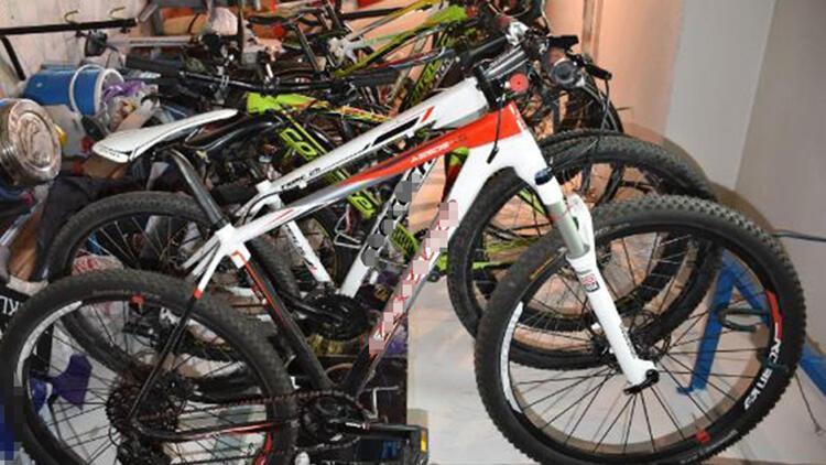 Atıl durumdaki bisikletler yenilenip, çocuklara dağıtılıyor