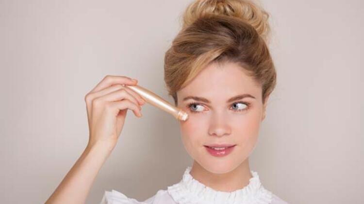Kapatıcı En Doğru Şekilde Nasıl Uygulanır? İşte Makyaj Uzmanlarının Önerileri…