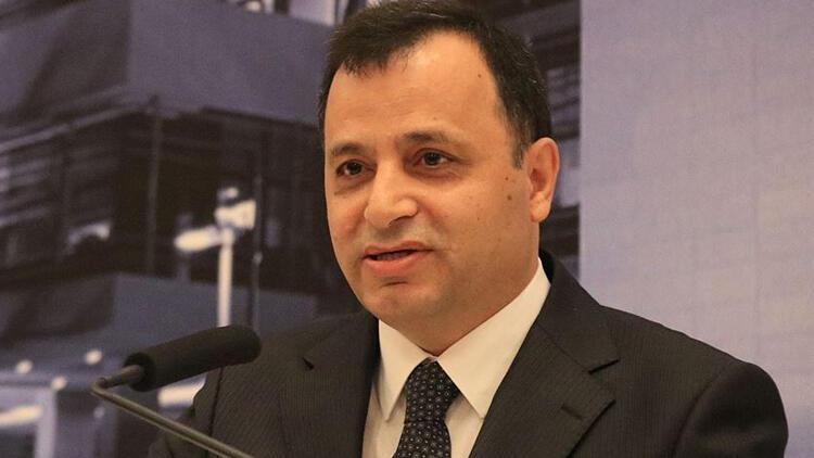 Son dakika haberler: AYM Başkanı Zühtü Arslan, eşinin ve kızının koronavirüs testinin pozitif çıkması nedeniyle karantinaya girdi