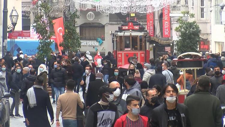İstiklal Caddesi'nde koronavirüs denetimleri sürüyor