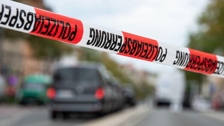 Almanya'da bıçaklı saldırı: 1'i ağır 4 kişi yaralı