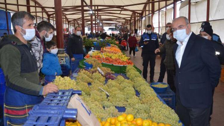Avcılar'daki pazarlarda koronavirüs denetimi