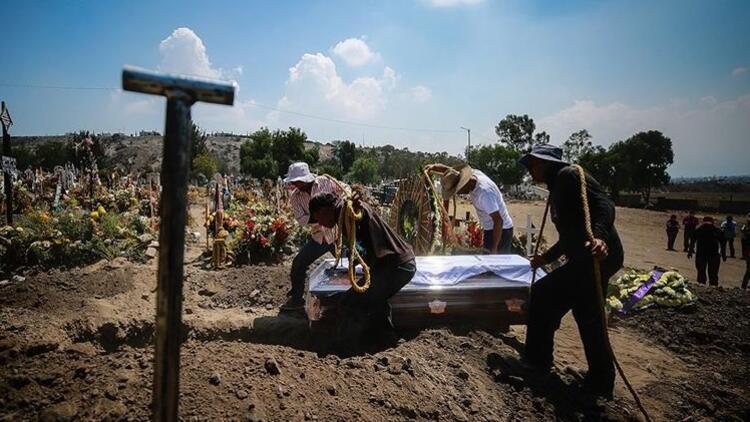Meksika'da Kovid-19 kaynaklı ölümler 100 bini aştı