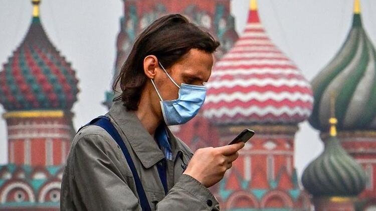 Rusya'da bir kez daha koronavirüs vaka sayısında rekor kırıldı