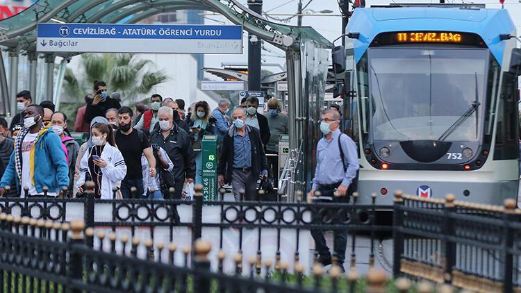 """Son dakika haberler: İstanbul'da toplu ulaşımda """"koronavirüs"""" düzenlemesi"""