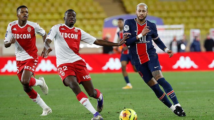 PSG deplasmanda Monaco'ya 3-2 yenildi