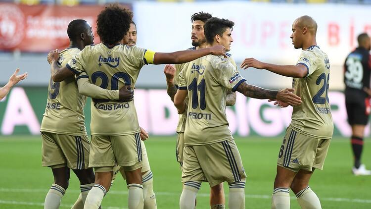 Fenerbahçe deplasman fobisini yendi! 15 yıl sonra...