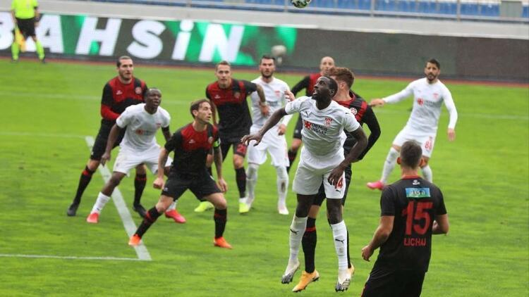 """Sivasspor'dan hakem tepkisi: """"Hüseyin Göçek hakemliği bırakmalı"""""""