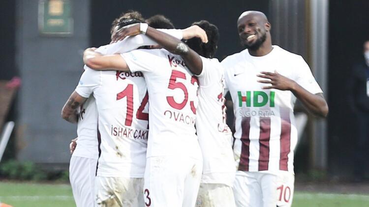 Bandırmaspor 7 maçlık galibiyet hasretini lideri yenerek dindirdi!