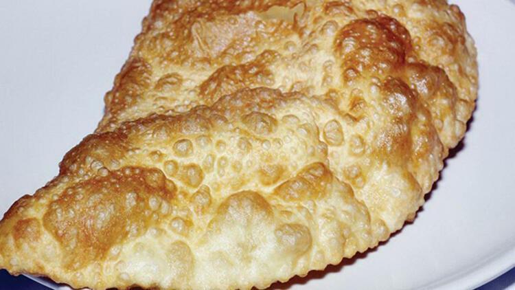 Çiğ börek (çibörek) nasıl yapılır? İşte adım adım çiğ börek tarifi