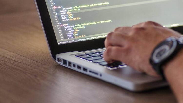Adanada binlerce kişiye ücretsiz robotik kodlama eğitimi verilecek