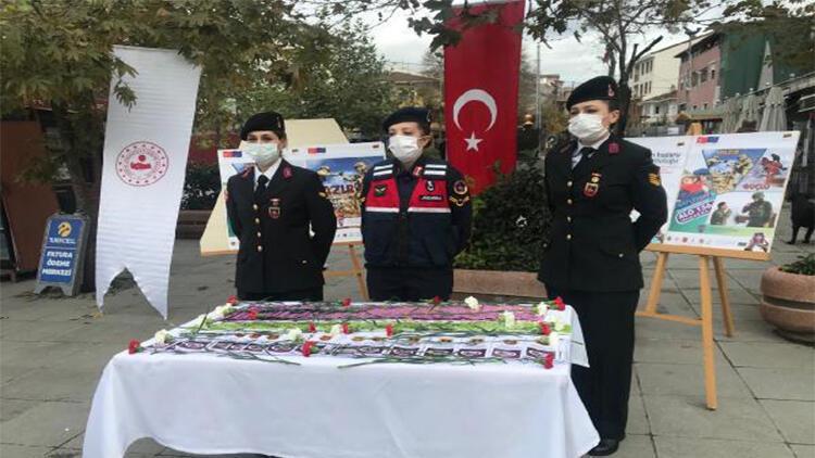 Eyüpsultan'da jandarma ekipleri kadın destek uygulamasını tanıttı