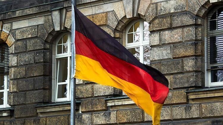 Almanya'da kısıtlamalar tüketici güvenini etkiledi