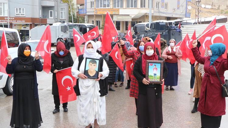 Şırnaklı kadınlar, HDP önündeki eylemlerini 12'nci haftada da sürdürdü