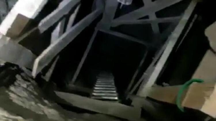 Evin salonunda 12 metre tünel kazmışlar! Yakalandılar