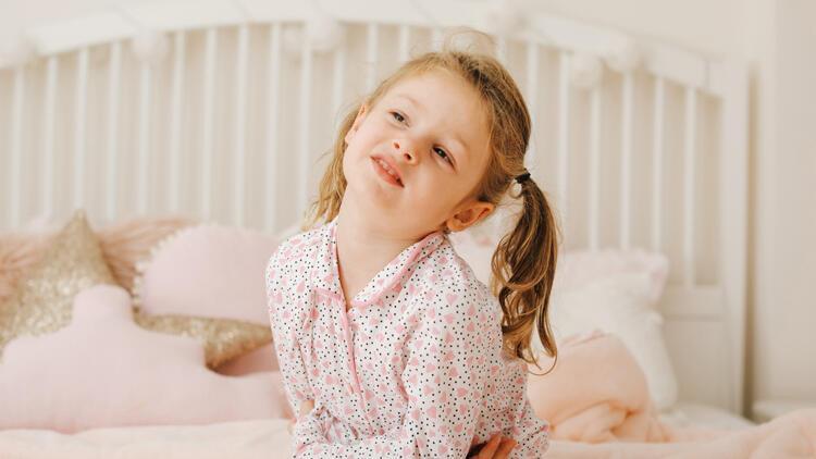 Çocuklarda mide bulantısını geçirmek için evde neler yapılabilir?