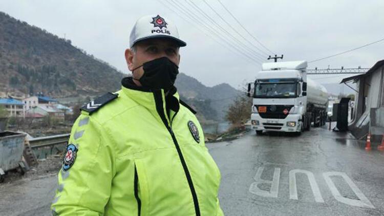 Çetin kış şartlarına sahip Tunceli'de, kış lastiği denetimi başladı