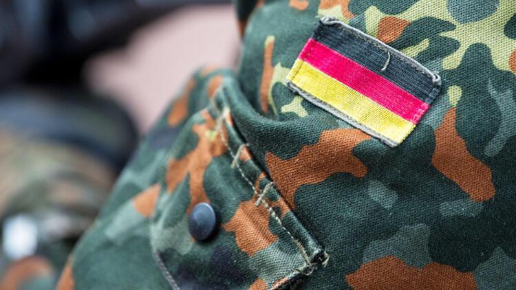 Alman ordusunda 8 aşırı sağ vakası daha!